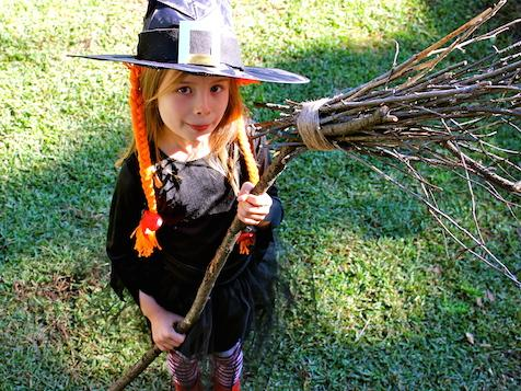 Room on the broom witch dress up