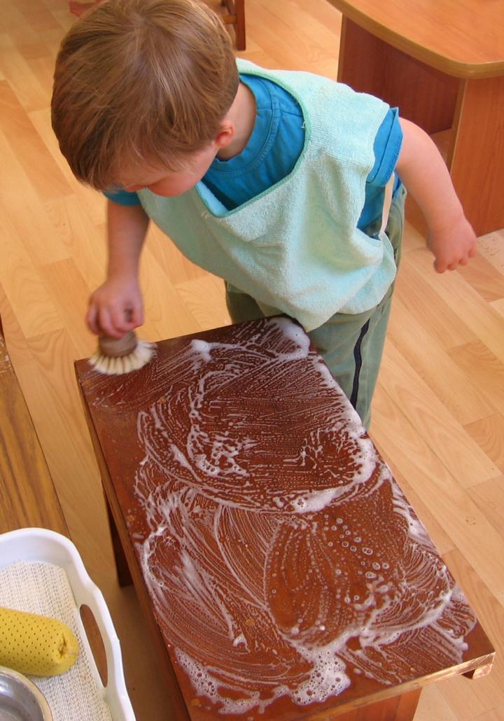 scrubbing_montessori