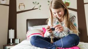 When to Make Your Kid Put Down Their Cellphone